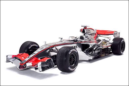 mclaren mp4-21赛车所采用的电镀式样车身涂装在f1是很少见的.图片